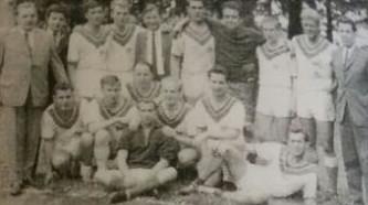 Die erste Herrenmannschaft 1965.