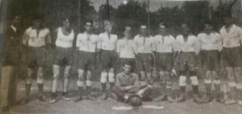 Die erste Handballmannschaft 1929. V.l.n.r.: